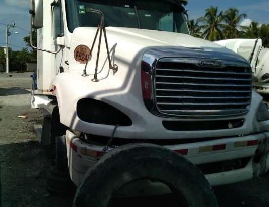Se vende camiones para piezas