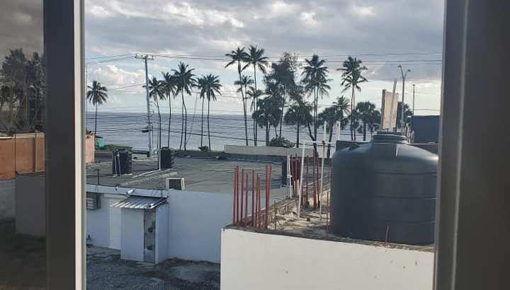 excelente apartamento en tropical del este con vista al mar