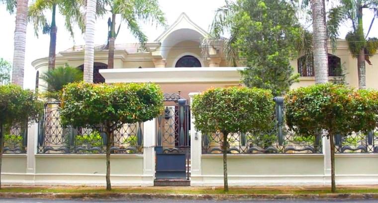 Majestuosa Casa de 2 Niveles