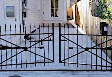 Automatic Iron Gate
