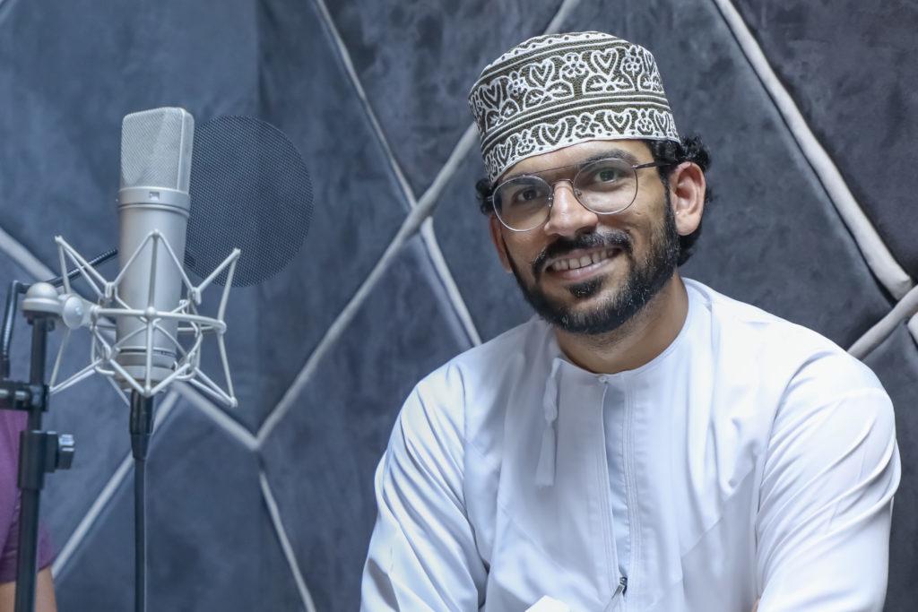 """تركي البلوشي، صحفي عُماني ومؤسس پودكاست """"السكة"""" (تركي البلوشي)"""