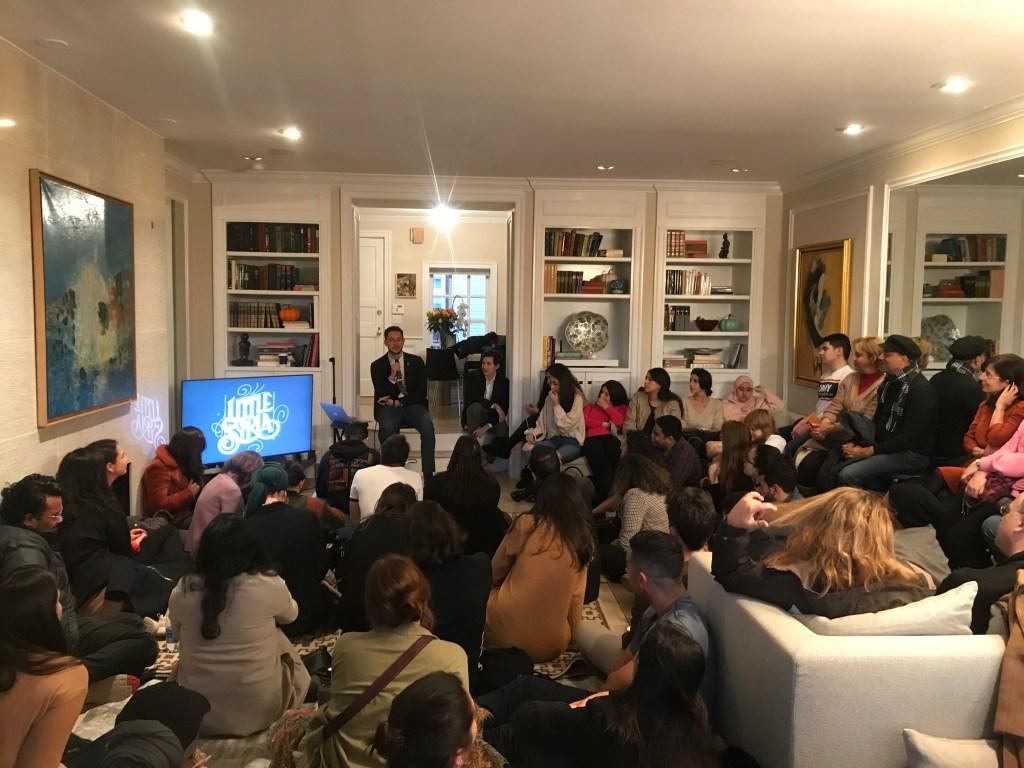 """سيلين سمعان تناقش """"ما بعد الاستعمار والتصميم والاستدامة"""" في المجلس الثقافي في مدينة نيويورك، 13 أبريل 2019 (تصوير سلطان)"""