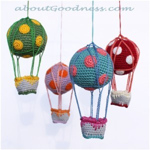amigurumi-crochet-baby-mobile1-300x300