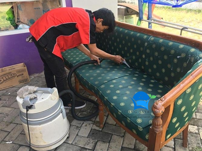 cuci sofa pondok aren