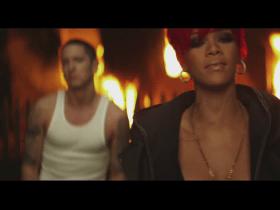 Eminem & Rihanna – Love the Way You Lie   berbohong demi cinta