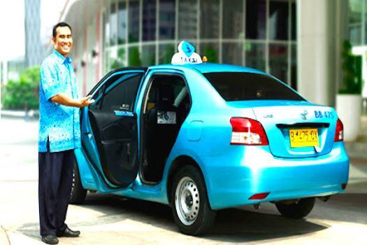 Layanan prima taxi blue bird dengan mobil oke