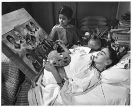 frida-kahlo-pintando-en-cama
