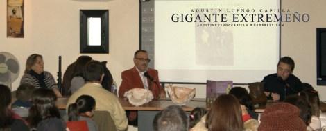 """Presentación del cuento """"El gigante de la Puebla"""" y la estatua de Agustín. 7 diciembre 2014"""