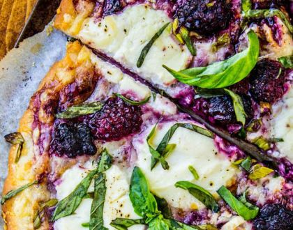 pizzas con frutas para la cena