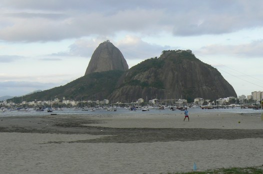 Kalns no Botafago pludmales