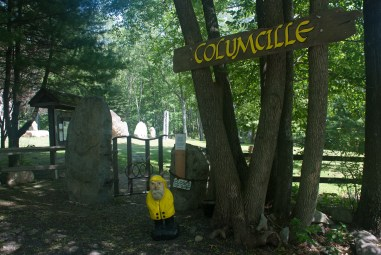 Captain Ahab of Ahab's Adventures at the enterance to Columcille Megalith Park in Pennsylvania 2015