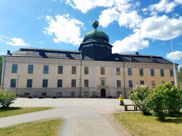 Captain Ahab of Ahab's Adventures outside the Gustavianum in Uppsala Sweden 2016