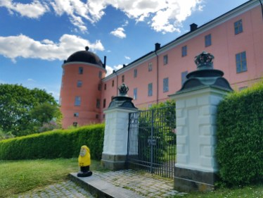 Captain Ahab of Ahab's Adventures viewing Uppsala Castle grounds in Uppsala Sweden 2016