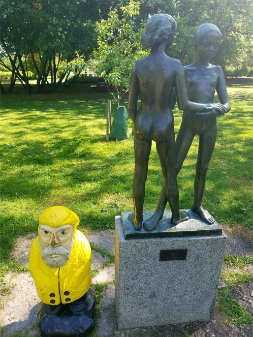 Captain Ahab of Ahab's Adventures in Stadsträdgården Uppsala Sweden 2016