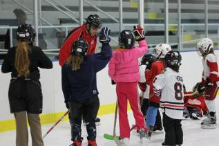 Franklin Park Girls Try Hockey For Free Event
