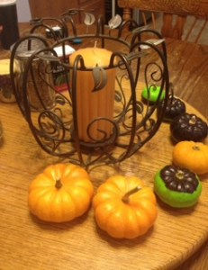 little pumpkin decorating ideas