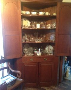 country antique decorating