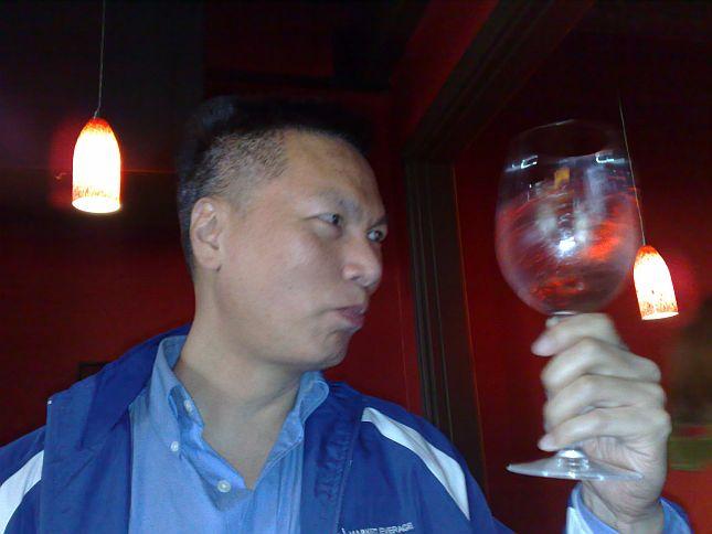 9-capones-wine-and-jazz-john-chow