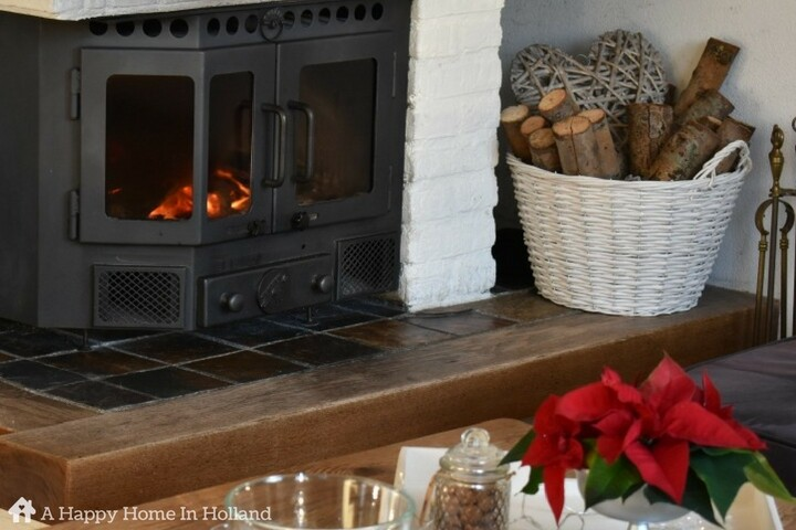 Christmas Home Tour - simple home decor ideas for the holiday season.