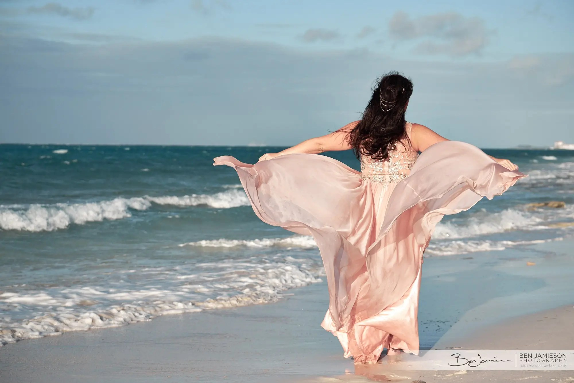 021-bahamas-trash-dress-photographer