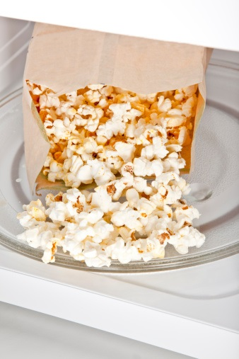 https www ahchealthenews com 2015 05 07 are hidden chemicals lurking in your microwave popcorn