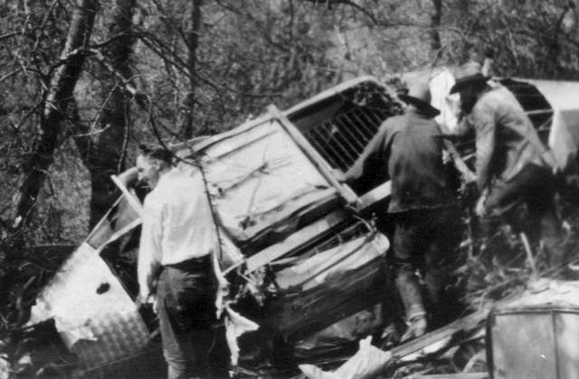 Martin Jensen's plane crashed in the Arizona desert. He and the lion survived. Box 1, Martin Jensen papers, American Heritage Center, University of Wyoming.