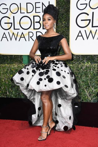 janelle-monae-moonlight-2017-golden-globe-awards-red-carpet-fashion-armani-prive-tom-lorenzo-site-4