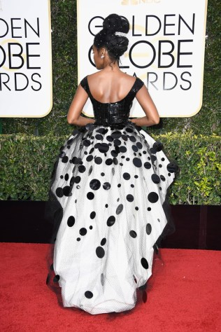 janelle-monae-moonlight-2017-golden-globe-awards-red-carpet-fashion-armani-prive-tom-lorenzo-site-8