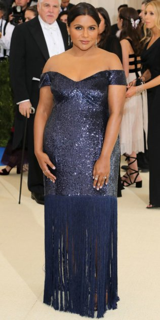 """NEW YORK, NY - MAY 01: Mindy Kaling attends the """"Rei Kawakubo/Comme des Garcons: Art Of The In-Between"""" Costume Institute Gala at Metropolitan Museum of Art on May 1, 2017 in New York City. (Photo by Neilson Barnard/Getty Images)"""