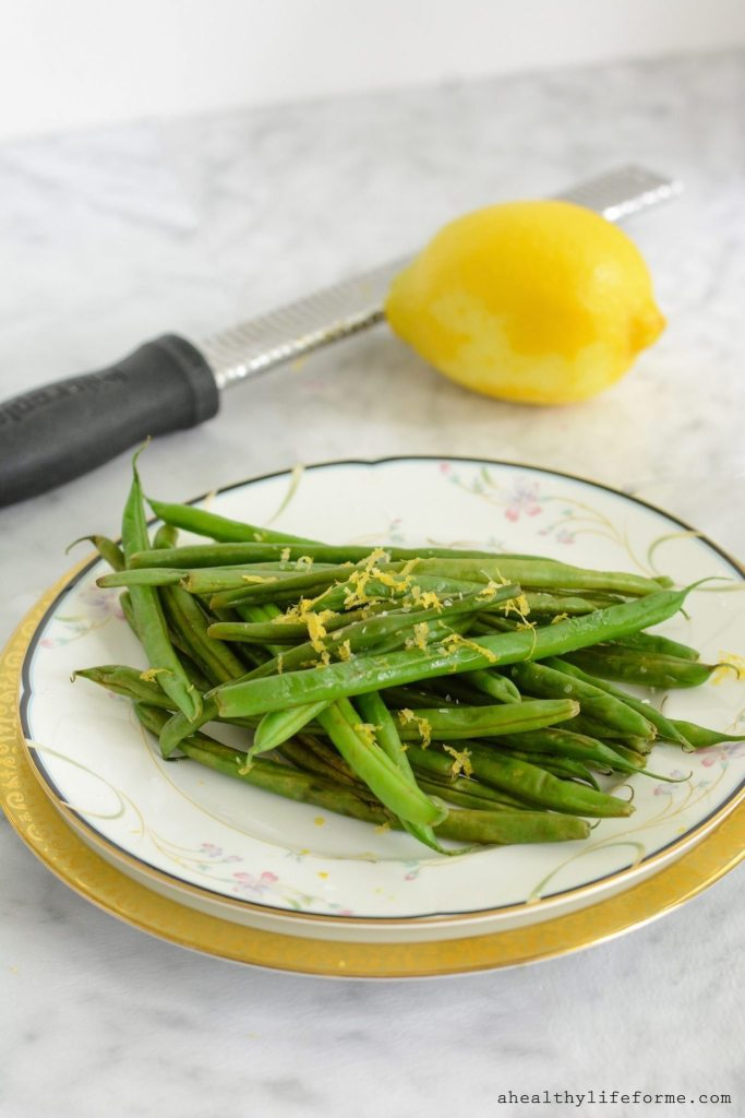 Lemon Green Beans make a fresh, healthy, and easy side dish that can be served year round. Gluten Free, Dairy Free, Paleo, Vegan | ahealthylifeforme.com