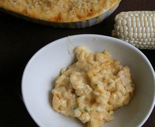 Spicy and Sweet Corn Mac-N-Cheese