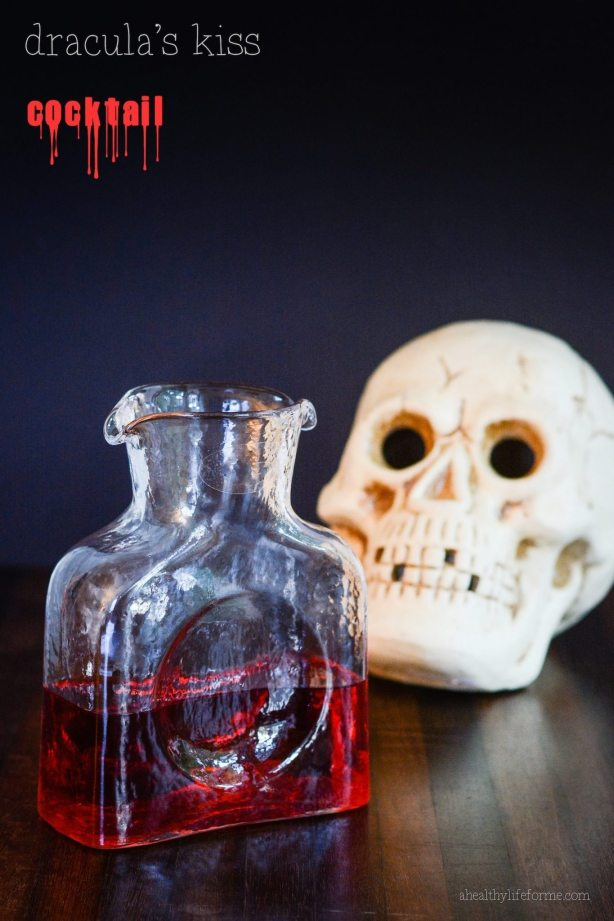 Dracula's Kiss Cocktail Recipe for Halloween | ahealthylifeforme.com