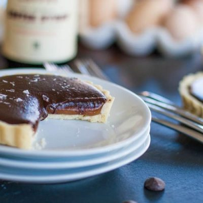 Chocolate-Vanilla Caramel Tartlet