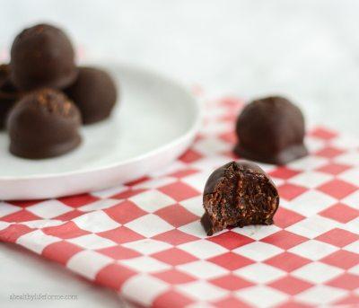 Gluten Free Paleo Chocolate Fig Bites Recipe   ahealthylifeforme.com
