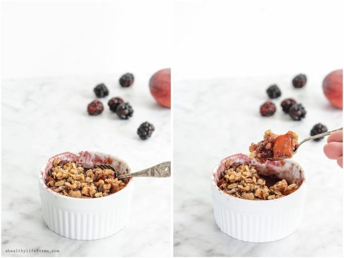 Blackberry Peach Crisp is loaded with fresh blackberries peaches gluten free oatmeal cinnamon crumble on top | ahealthylifeforme.com