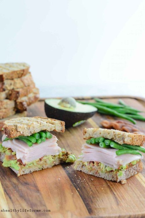Green Bean Turkey Club Sandwich made with Hormel Natural Choice Oven Roasted Deli Turkey | ahealthylifeforme.com