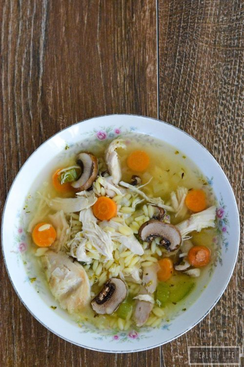 Lemony Chicken and Orzo Soup is a healthy, light and fresh soup that is ready in 30 minutes | ahealthylifeforme.com