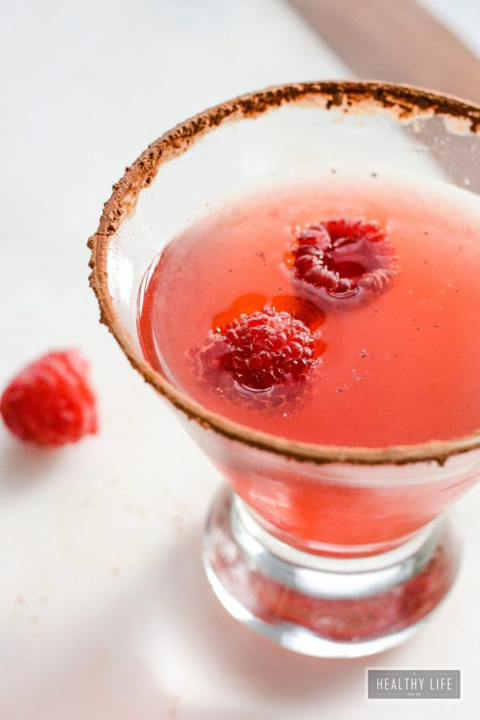 Raspberry Chocolate Martini Recipe | ahealthylifeforme.com
