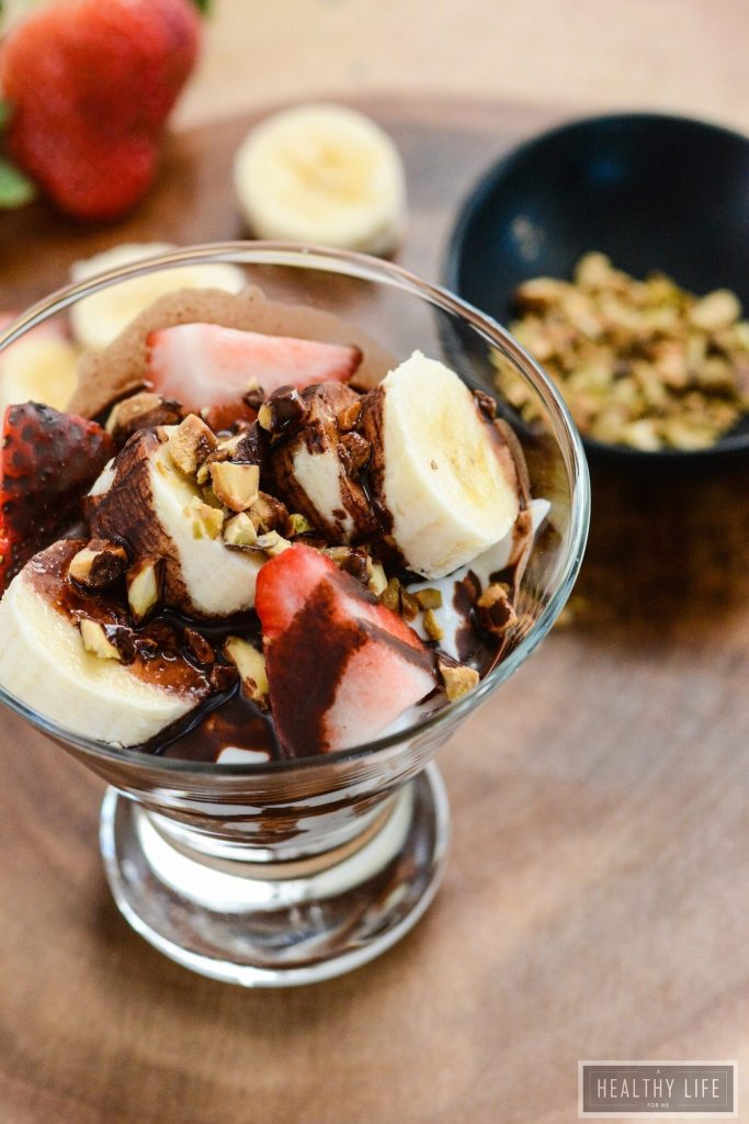 Chocolate Banana Yogurt Parfait recipe low calorie gluten free | ahealthylifeforme.com