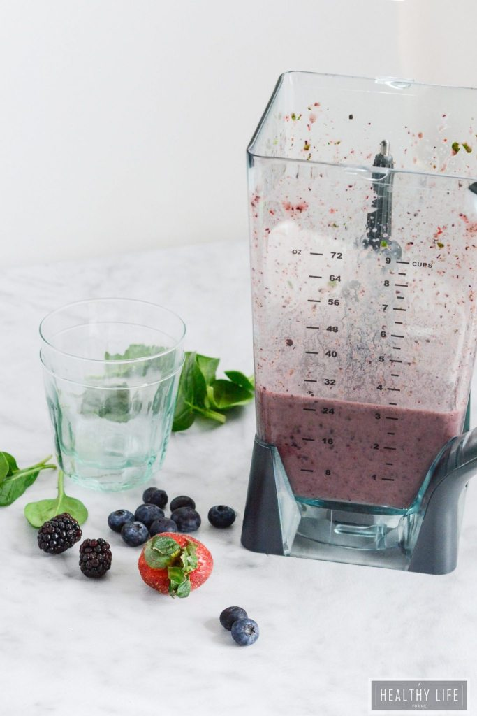 Berry Spinach Coconut Water Juice Recipe that is nourishing healthy | ahealthylifeforme.com