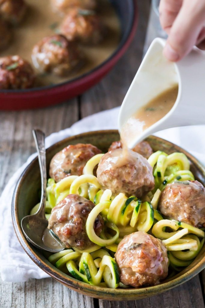 Paleo-Whole-30-Meatballs-with-Gravy-3-1-of-1-1
