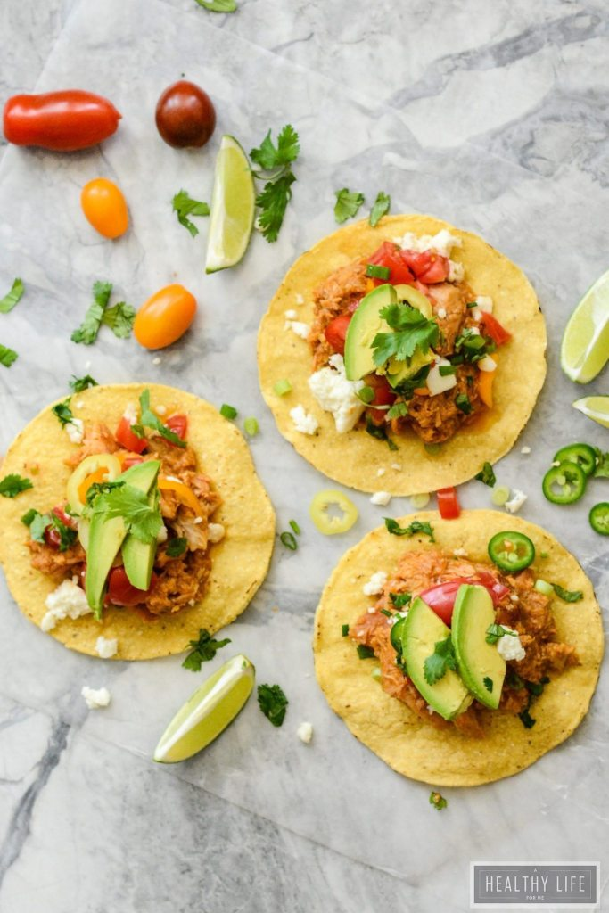 Gluten Free Chicken Tostados easy dinner idea ready in 10 minutes | ahealthylifeforme.com