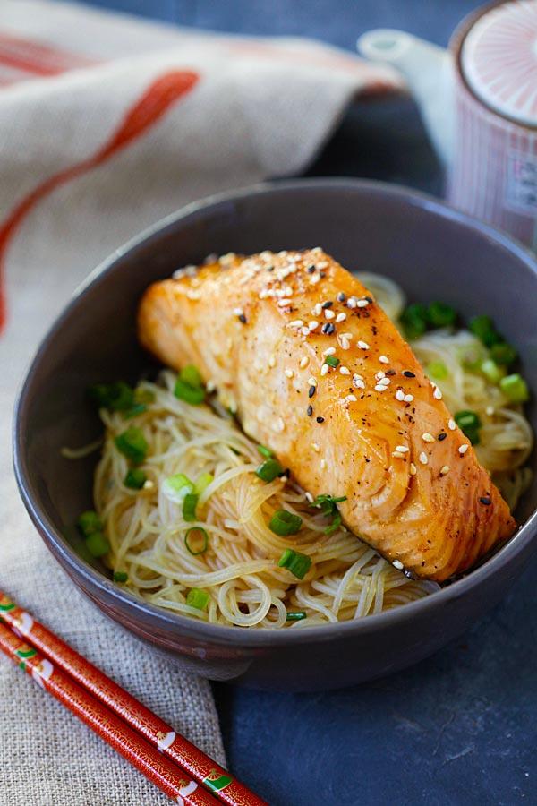Salmon Teriyaki Noodles Recipe | rasamalaysia.com
