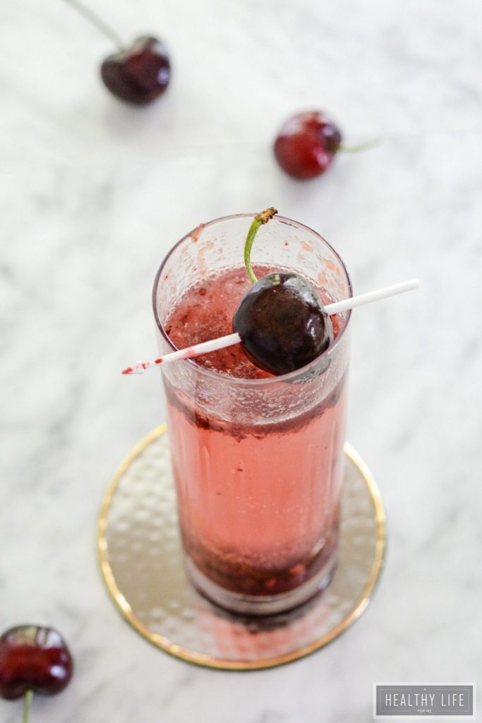 Black Cherry Seltzer a bit of fresh cherries, bubbles and vodka make for a refreshing cocktail   ahealthylifeforme.com