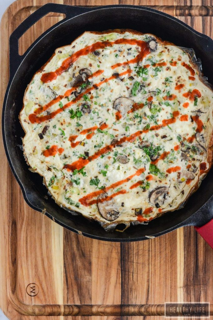 Leek Mushroom Egg White Frittata is the perfect high protein, low calorie, nutritious breakfast, snack or dinner option.   ahealthylifeforme.com