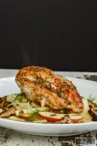 This Pan Roasted Chicken with Apple Fennel Slaw is a delicious dinner recipe that is cooked in one pan and only takes 30 minutes to prepare. A great healthy, high protein, low-calorie weeknight dinner | ahealthylifeforme.com