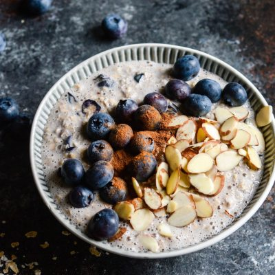 Blueberry Pie Overnight Oats {gluten free + vegetarian}