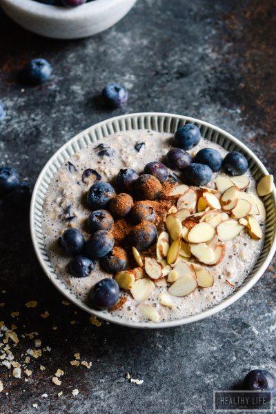 Blueberry Pie Overnight Oats {gluten free + vegetarian}