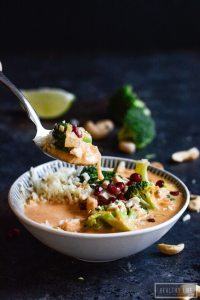 Healthy Weeknight Dinner Recipe Paleo Thai Broccoli Chicken Curry   ahealthylifeforme.com