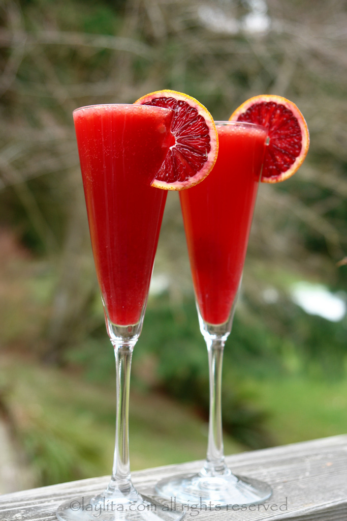 6 Romantic + Drool-Worthy Valentine's Day Cocktails. | ahedgehoginthekitchen.com